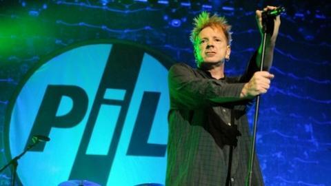 John Lydon, zpěvák Sex Pistols, přijede na Colours!