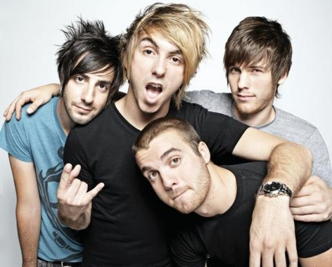Sledujte akustické All Time Low