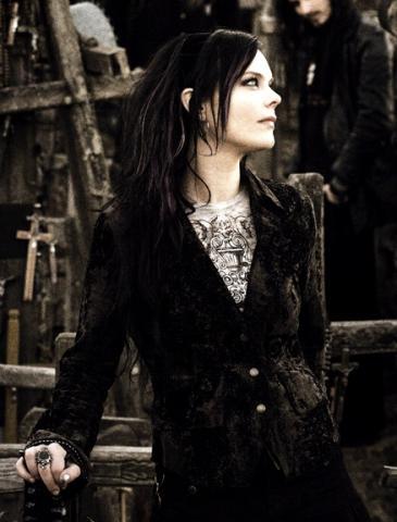 Společný projekt členů Nightwish a Within Temptation