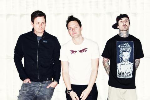 Blink-182 v pátek konečně odhalí nový singl