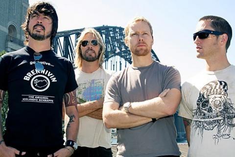 Foo Fighters rozstříhali novinku Wasting Light