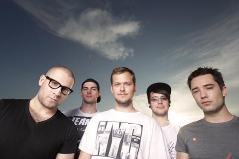 Kissing The Gravestone lákají na nové EP