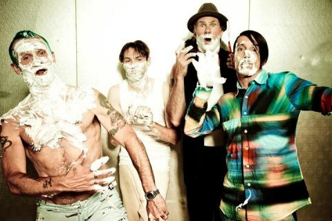 Nový klip Red Hot Chili Peppers je venku!