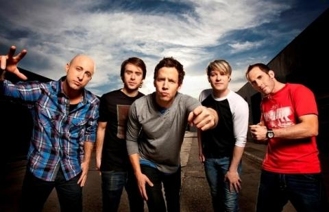 Nový song Simple Plan, ve kterém hostuje Alex Gaskarth z All Time Low, je venku