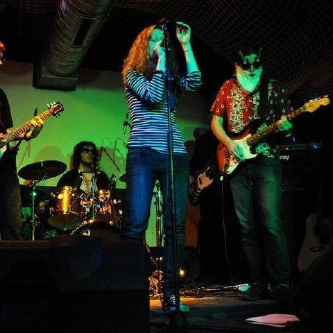 The Places: Hrajeme rock'n'roll ze života